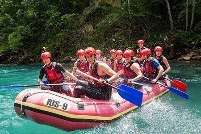 Adrenalinski rafting na Tari