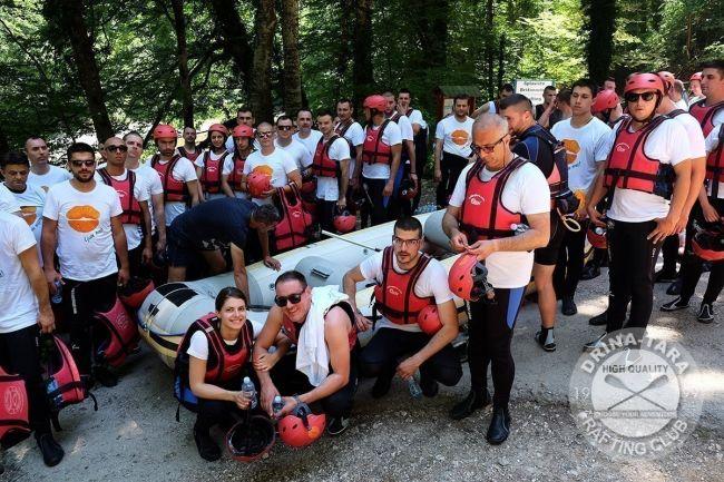 rafting tara autumn team building