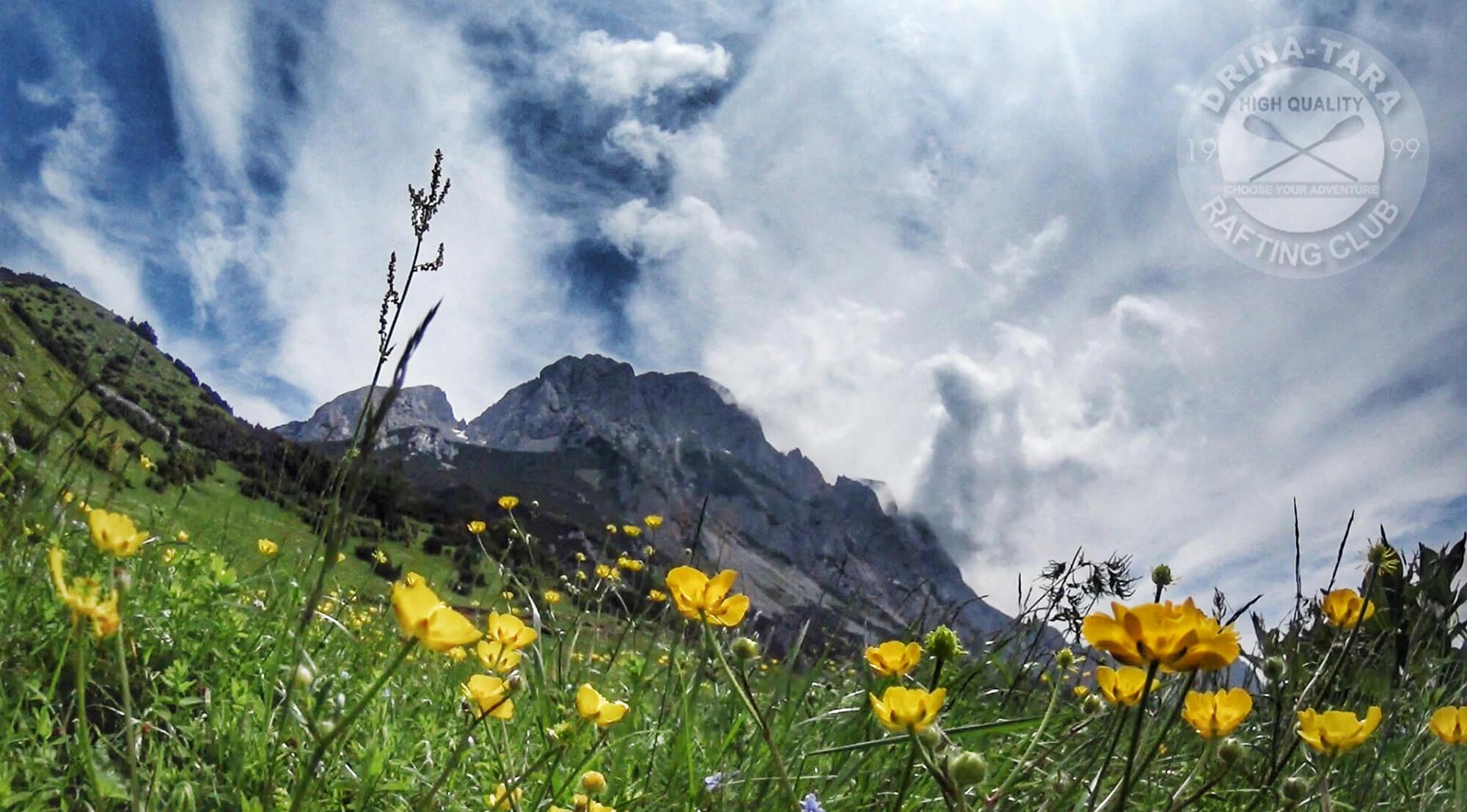 climbing mountain maglic