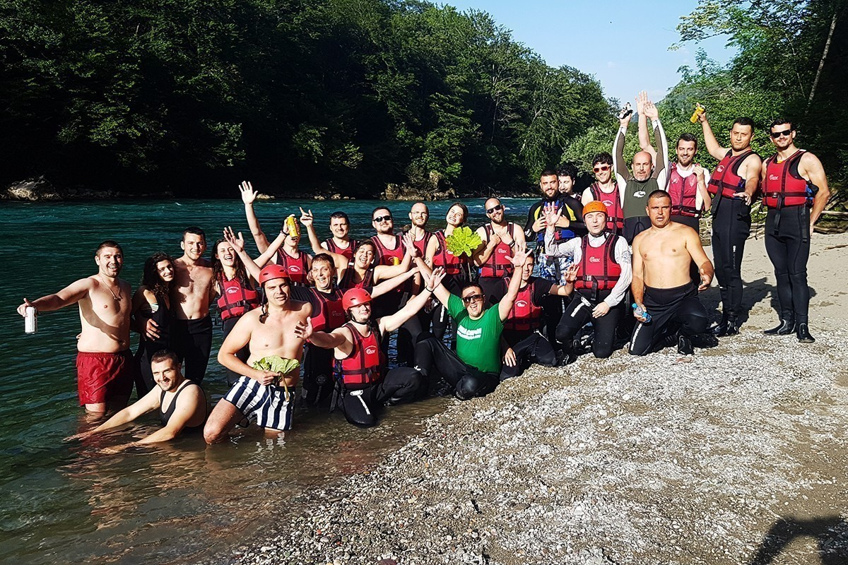 team building on rafting